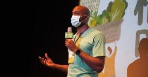 【永續飲食】打籃球怎麼可以吃純素?採訪Vegan籃球國手戴維斯:放進嘴巴裡是對的東西,身體自癒的能力才會啟動!